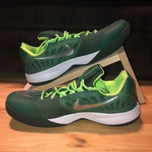 Men's Nike Zoom Green Basketball Shoes Size 12.5